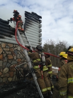 Mutual aid with Gretna and Hurt - Lt Ryan Crews on the ladder - February 2014