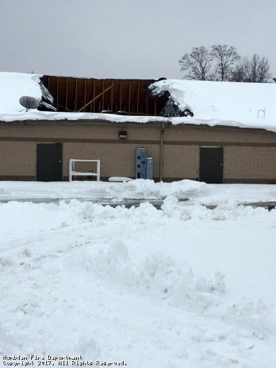 Heavy Snow collapses Hambden Gym Roof- Geauga County Maple Leaf 12/13/16