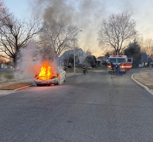 Early Morning vehicle fire Juniper Hill