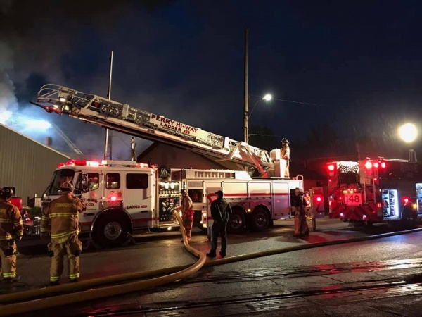 LADDER AND TANKER RESPOND ON MULTIPLE ALARM FIRE
