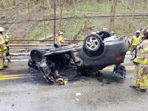 Vehicle Fire - Elizabeth Township