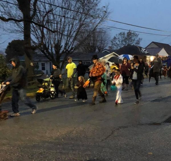 Annual YVFD Halloween Parade