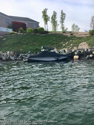 Vessel Adrift Near R22