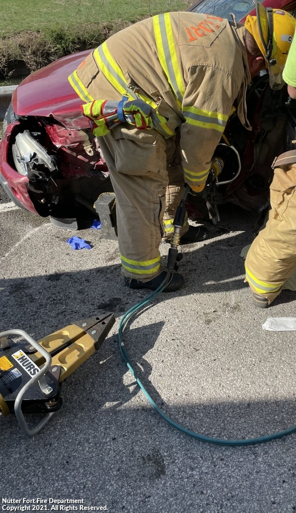 1 Entrapped in First Due Crash