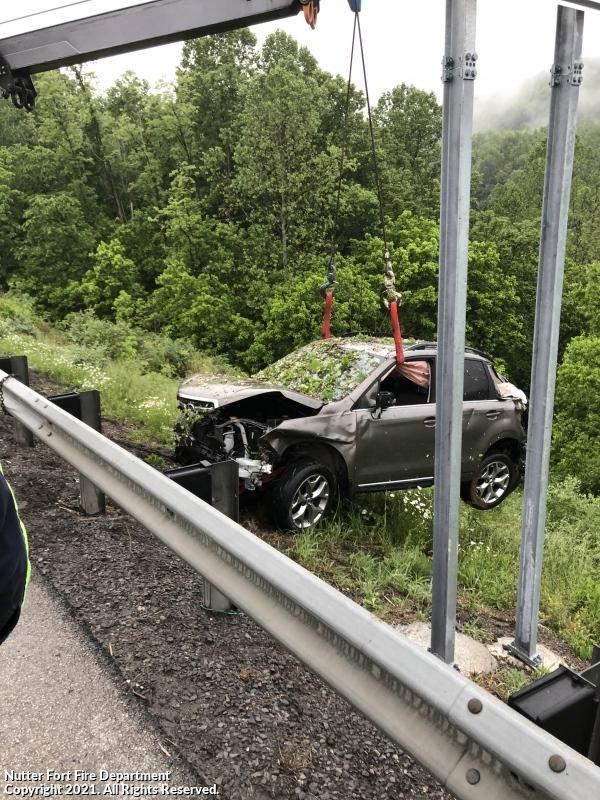 3 Injured in I-79 Crash