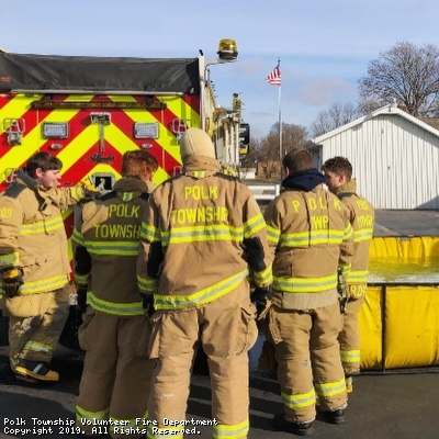 New Recruits and trainees training on Engine set ups and take downs.
