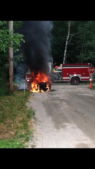 Engine 8 Catches a Car fire, Pinecrest at Oak Hill
