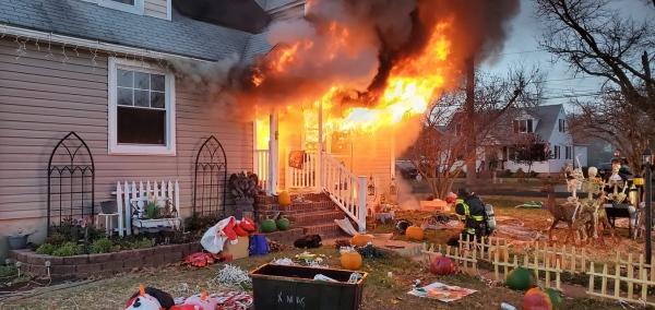 Ladder 129 responds to a dwelling fire in Pennsauken
